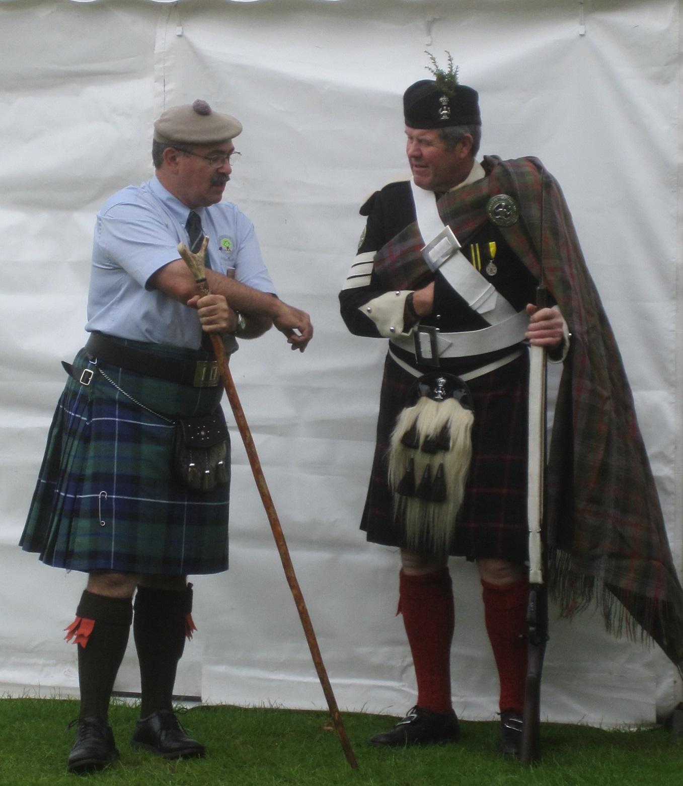 Über Und Unter Dem Schottenrock