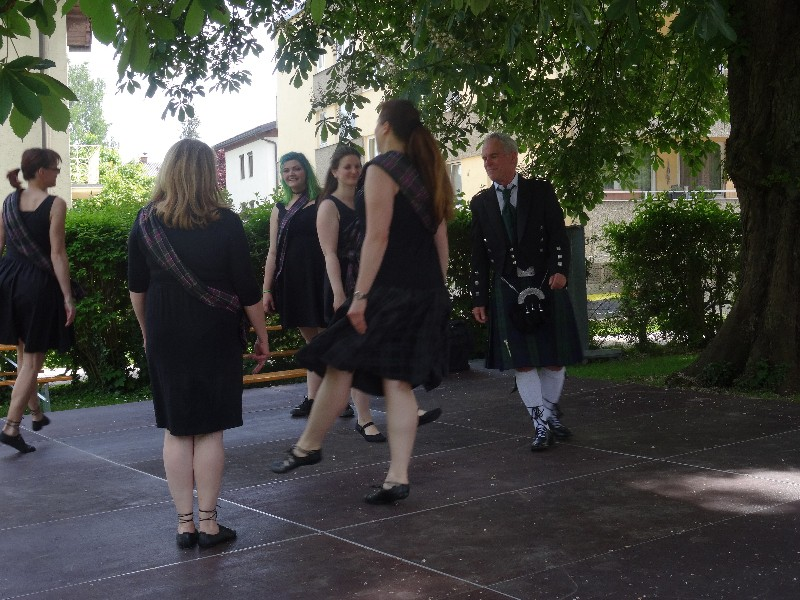 Auftritt Der Schotten-Tänzer Beim Fest Der Traditionsvereine