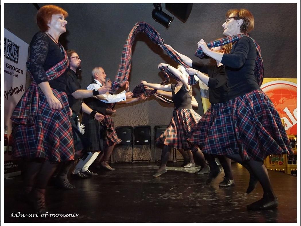 Auftritt Der Schottischen Tanzgruppe Beim Whisky-Weekend